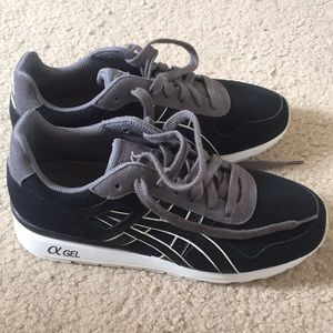Unisex ASICS Never Worn